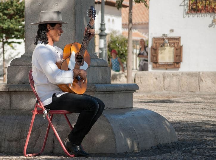 How To Learn Flamenco Guitar – Style, Sound And More