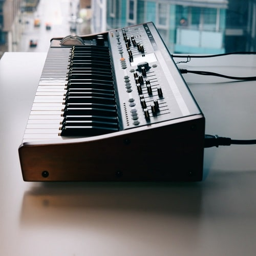 brown Synthesizers